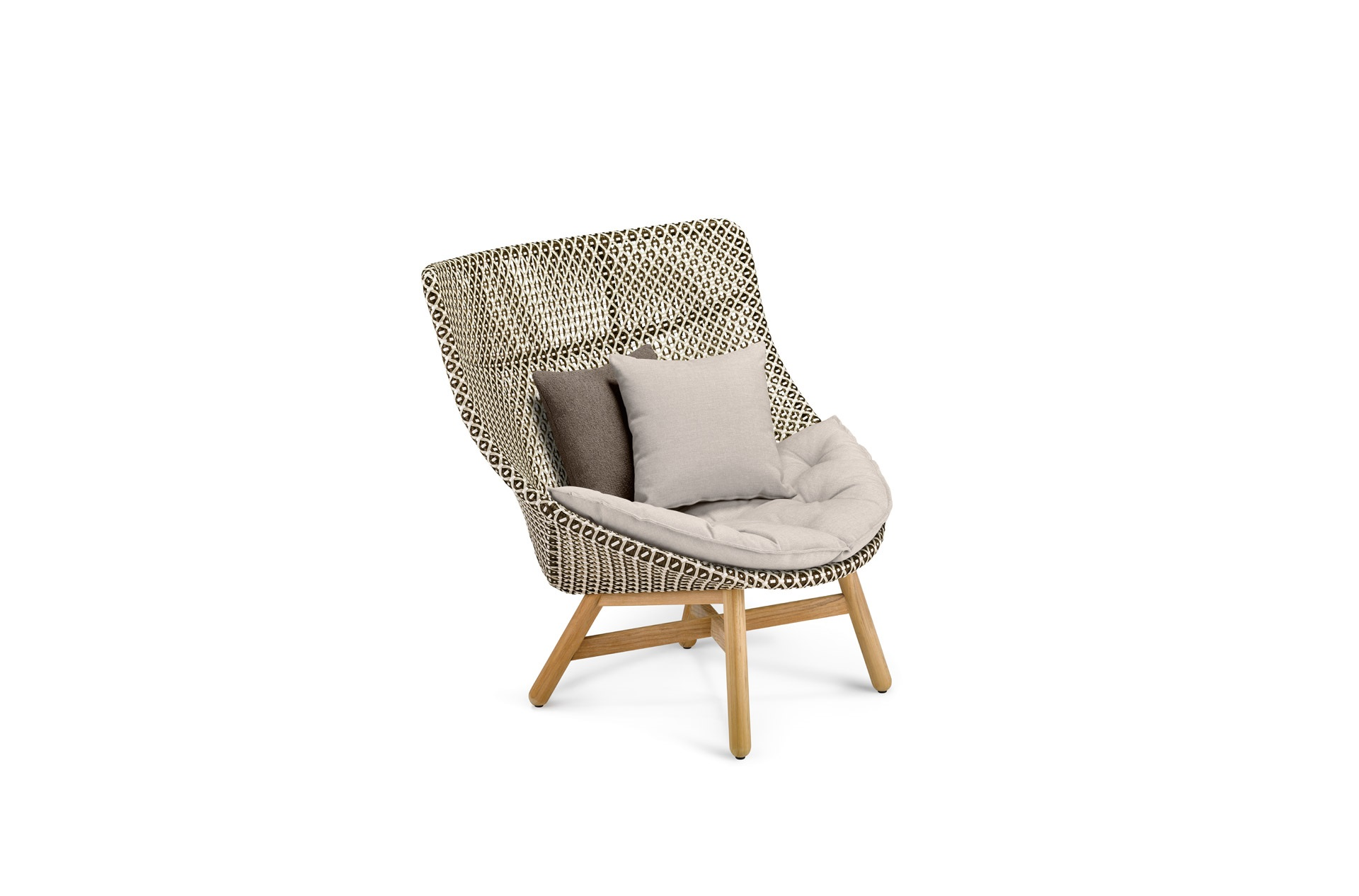 DEDON-Mbrace-Wingchair-decocushion-pepper